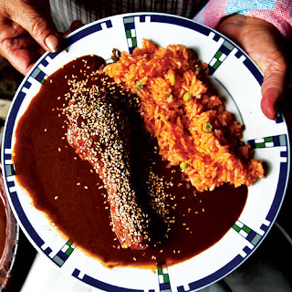 Pollo en Mole Poblano (Chicken with Puebla-Style Mole Sauce) Recipe