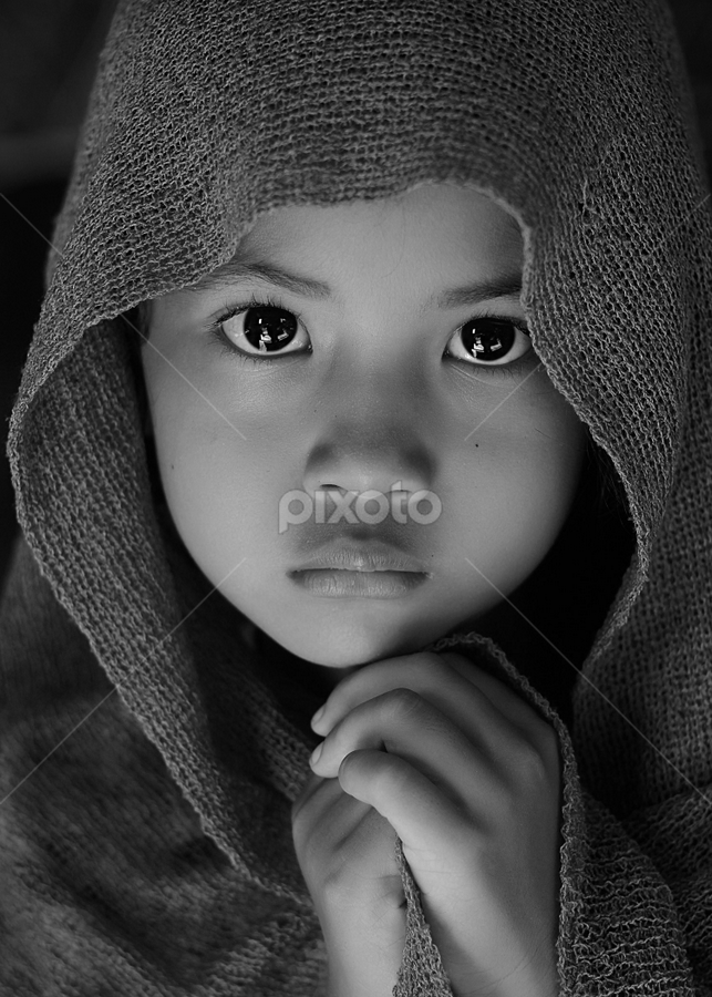 by Yudi Prabowo - Black & White Portraits & People ( child, b&w, people, portrait, emotion, human,  )