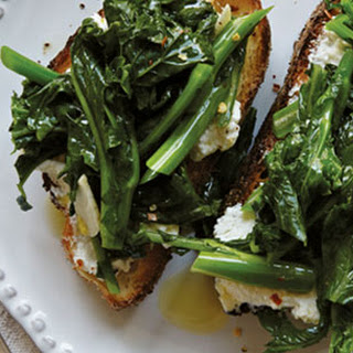 Broccoli Rabe and Ricotta Toasts