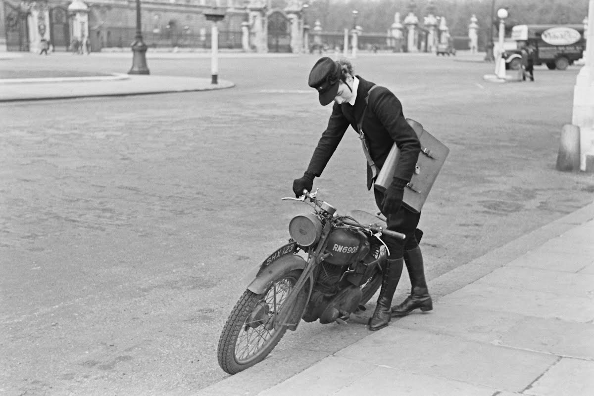 Women In Wartime Wrns Dispatch Riders
