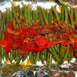 Herbed Green Beans With Roasted Peppers