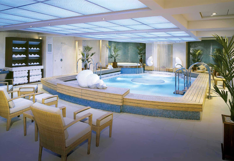 Soak in the rejuvenating Thalassotherapy pool at the Canyon Ranch Spa while sailing aboard Queen Mary 2.