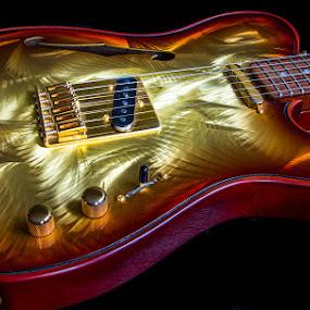 Gigliotti GT Custom by Ennio Pozzetti - Artistic Objects Musical Instruments ( music, body, gt custom, still, bonamassa, strings, gigliotti, instrument, guitars, italy, electric guitar )