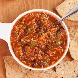 Turkey or Beef Chili with Sriracha (Slow Cooker)