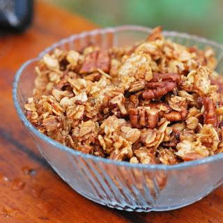 Crunchy Pecan Granola