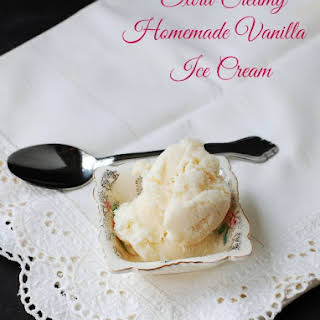 Extra Creamy Homemade Vanilla Ice Cream – with just 4 ingredients.