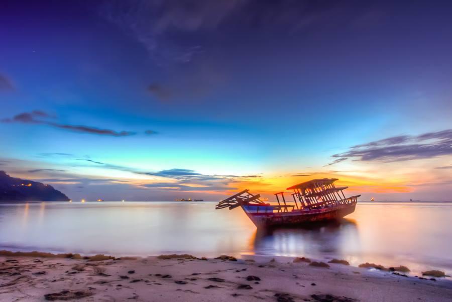 Stranded by Ikhwan Arief - Landscapes Sunsets & Sunrises