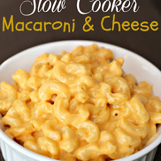 Slow Cooker Creamy Macaroni and Cheese Recipe