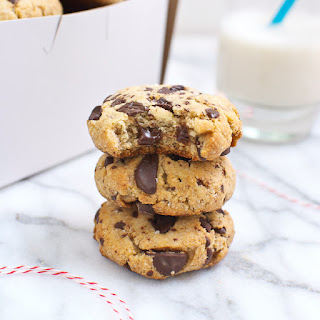 Thick & Chewy Chocolate Chip Cookies