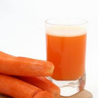 Easy Carrot Banana Smoothie.