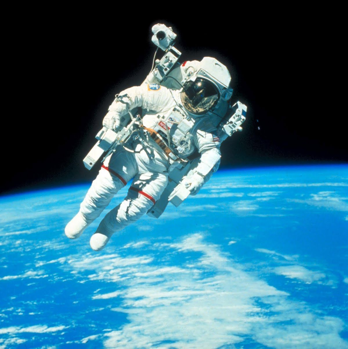 astronaut spacewalk for android - HD4000×4000
