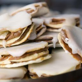Traditional Alfajores - Caramel Sandwich Cookies