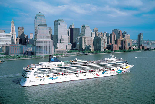 Norwegian-Dawn-Aerial-Manhattan - Take Norwegian Dawn's New York cruise and marvel at Manhattan's iconic skyscrapers.