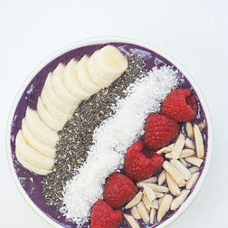 Breakfast Berry Smoothie Bowl.