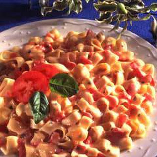 Pasta With Fresh Tomatoes & Basil.