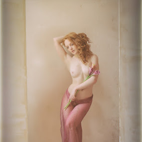 Natural Light by Shaun HODGE - Nudes & Boudoir Boudoir ( purple, redhead, sheer )