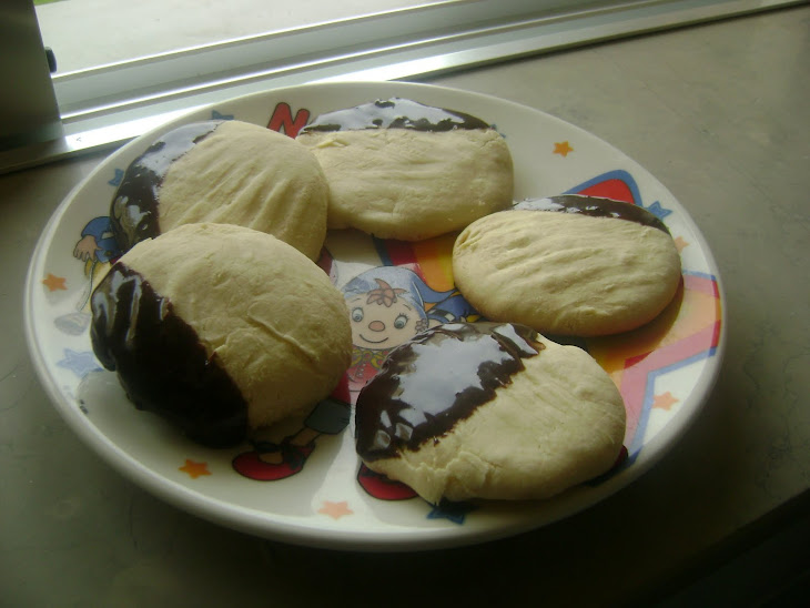 Cornstarch and Condensed Milk Cookies in a Chocolate Bath Recipe