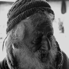 The old man by Fawad Hashmi - People Portraits of Men ( face, old, grunge, life, street, indian, beard, men, senior citizen, , Travel, People, Lifestyle, Culture )