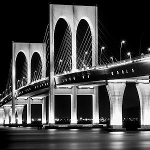 Bridge2B&W.jpg