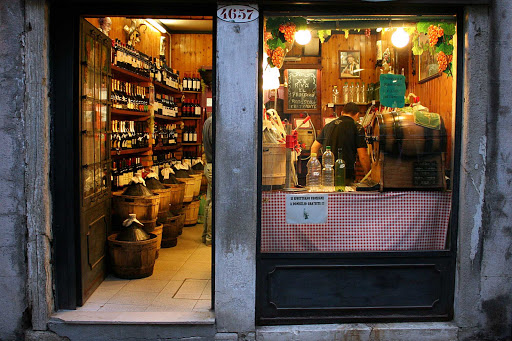 wine-shop-venice-italy - A local wine shop in Venice, Italy.