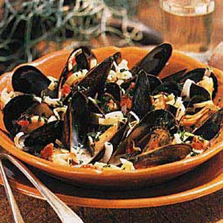 Mussels with Pernod and Cream.
