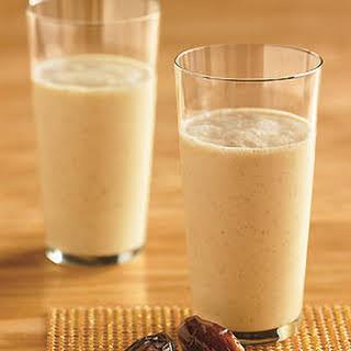 Vanilla-Date Breakfast Smoothie.