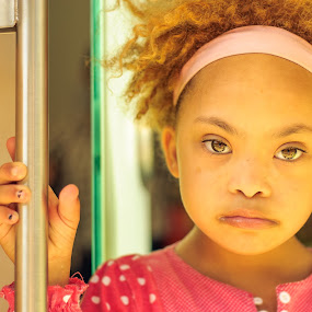 Mara by Ricardo Rocha - Babies & Children Child Portraits ( child, girl, d200, baby, nikon, people, portrait )