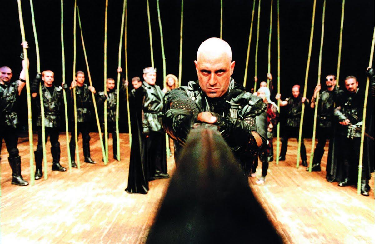 Antônio Fagundes em cena de Macbeth - Foto Gal Oppido — Google Arts &  Culture
