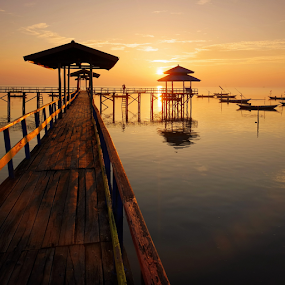 Another day, another sunrise by Robertho Ponomban - Buildings & Architecture Bridges & Suspended Structures ( hour, sunrise, square, jetty, landscape, golden )
