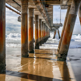 Catching waves .... by Tin Tin Abad - Uncategorized All Uncategorized