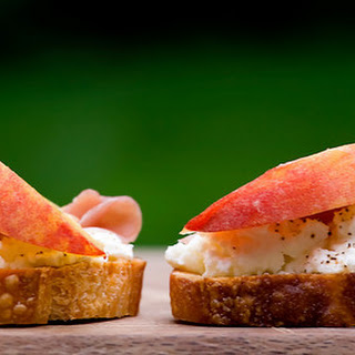 Peach Crostini with Prosciutto and Ricotta