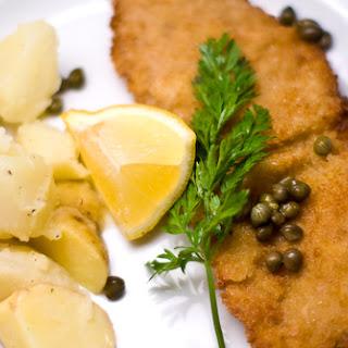 Wiener Schnitzel (Veal Schnitzel).