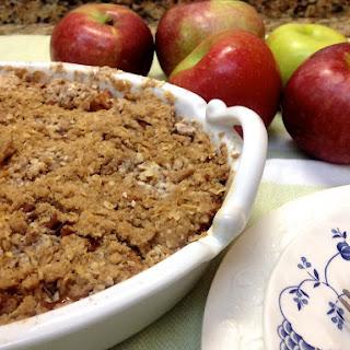Maple and Pecan Apple Crisp