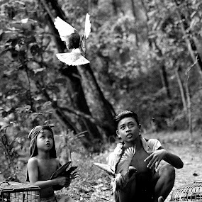 PLBK = Poto Lama Bersemi Kembali by Deny Satria - People Street & Candids