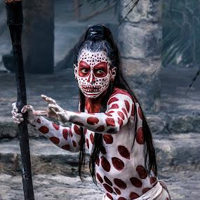 Maya dancer by Wojciech Toman - People Musicians & Entertainers ( mexico, show, maya, dance )