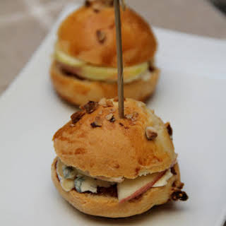 Fourme d'Ambert, Fig Chutney, and Raw Apple Mini Burgers.