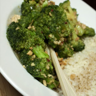 Coborn's Edgy Veggie – Takeout-Style Broccoli in Garlic Sauce