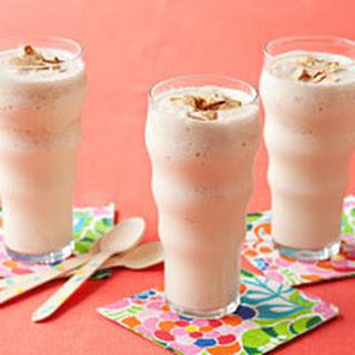 Almond-Vanilla Shakes