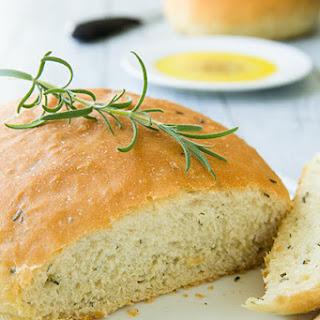 Rosemary Bread {Macaroni Grill Copycat Recipe}