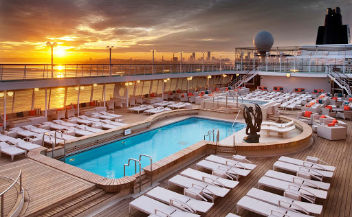Spa-Fitness-Seahorse-Pool-on-Crystal-Symphony - Relax by the Seahorse Pool on the Crystal Symphony and enjoy the ocean breeze.