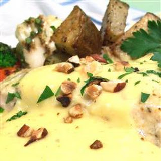 Blender Sauce Noisette (Hollandaise with Hazelnut Butter)