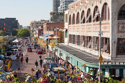 The area around Pike Place Market offers dining and shopping opportunities.