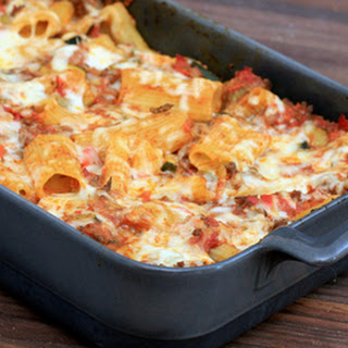 Rigatoni Bake With Ground Beef and Cheese