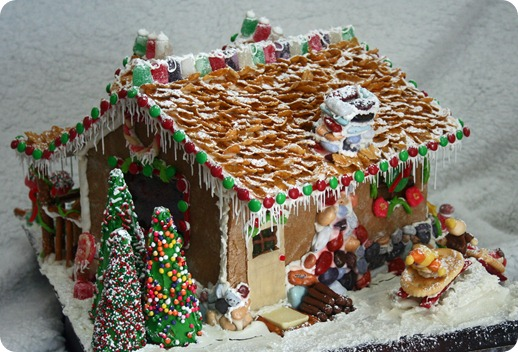 Tutorial gingerbread house 101 whipperberry wb gingerbread house 2 wb 026 solutioingenieria Images