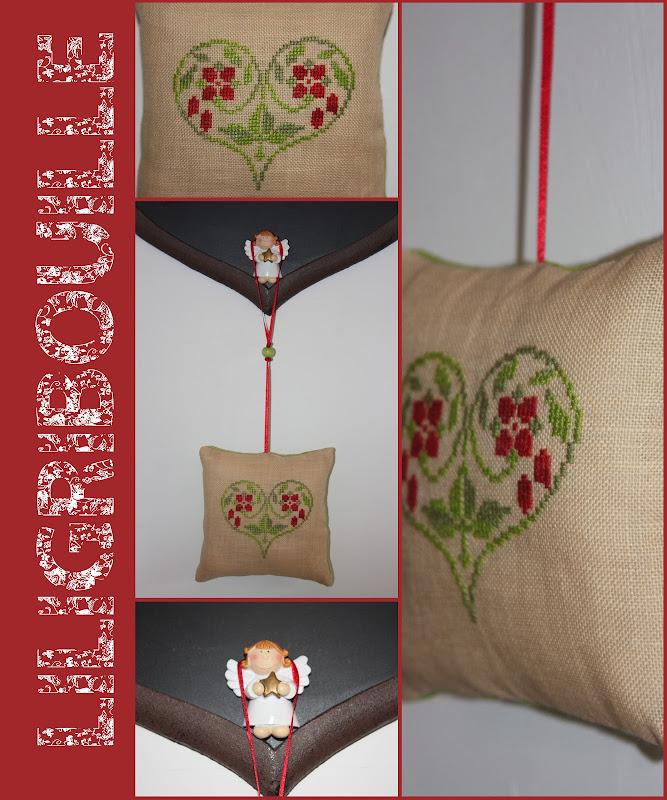 point de croix coussin de porte le blog de liligribouille. Black Bedroom Furniture Sets. Home Design Ideas