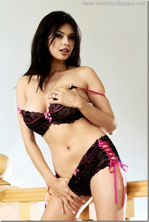 Tera Patrick Pink Undies HQ Photos