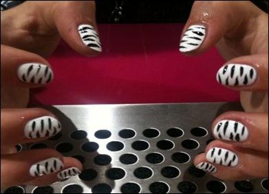 4 Modele De Unghii Facute Cu Scobitoarea Nail Art Tutorial