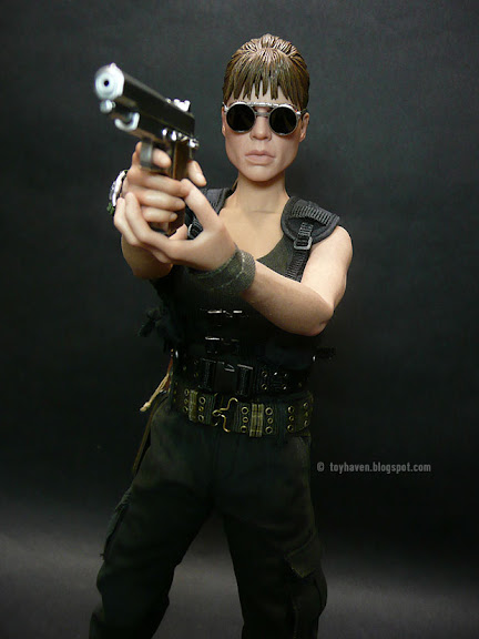 Hot Toys T2 Sarah Connor