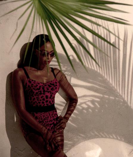 Mas18: Naomi Campbell En Traje De Baño Para Dolce & Gabbana