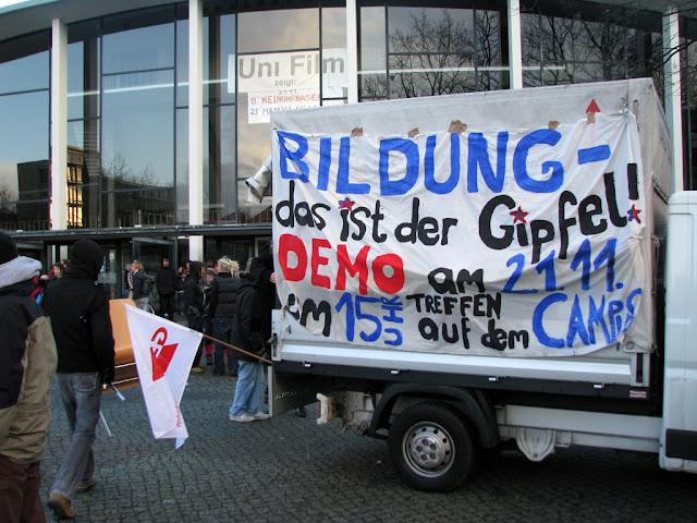 """Demo - """"Bildung? - Das ist der Gipfel!"""""""